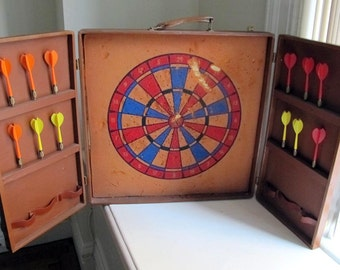 Vintage Dart Board Carrying Case Brown Vinyl Foldout 1940s 1950s, Mid Century Game Dart Board Case with Handle