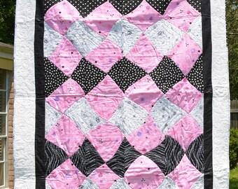 Quilt, Baby quilt, Throw, Pink Argyle