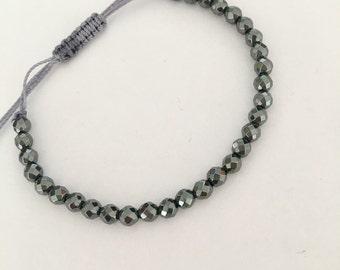 Hematite beaded friendship bracelet. Dainty hematite gemstone bad bracelet for everyday.
