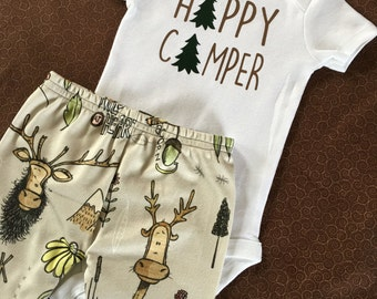 Happy camper. Baby boy. Baby girl. Camping baby outfit. Moose baby. Woodland baby. Coming home outfit. Baby arrival outfit.