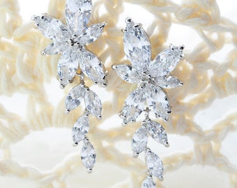Bridal Delicate Earrings Flower Bridal Earrings Bridal Tiny Earrings Flower Delicate Earring Wedding Crystal Earrings Crystal Flower Earring
