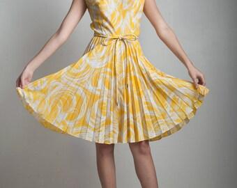 60s vintage pleated dress sleeveless yellow white mock turtle neck MEDIUM M