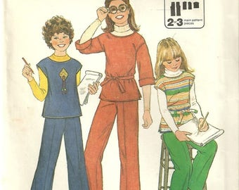 Simplicity 8122 Girls Vintage 70's Jiffy Pullover Top & Pants Sewing Pattern Size 7 - 8    Easy to Sew