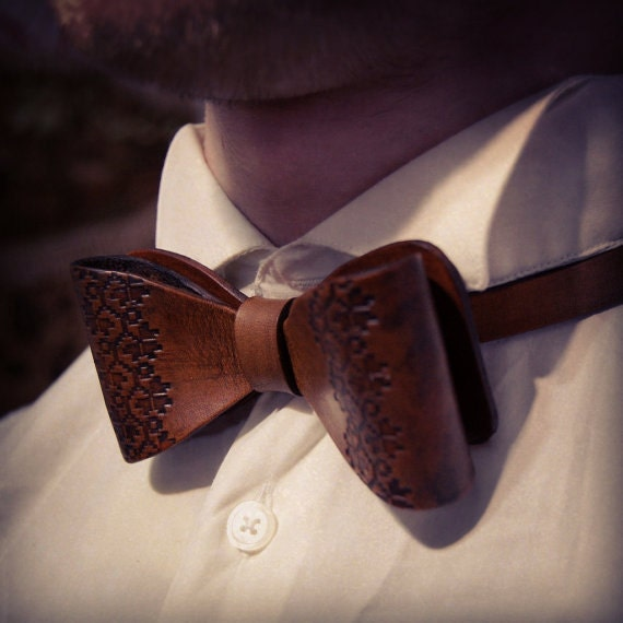 7 Bow Ties Made Of Leather To Buy Online