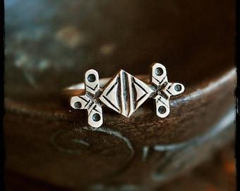 Tuareg Silver Tisek Ring - Size 8