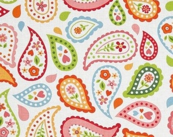 Patchwork flowers paisley Riley Blake white fabric