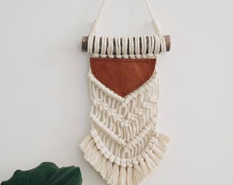 GRACE // Mini Macrame Wall Hanging, Wall Art, Cotton with Leather