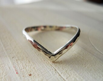 Chevron Ring V Ring 925 Sterling Silver Hammered