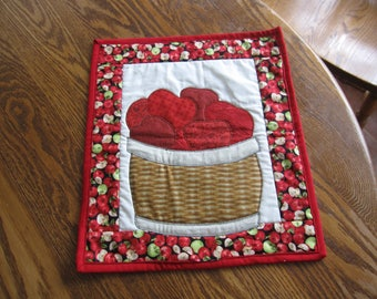 quilted apple table topper