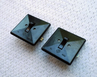 Set of 2 vintage bakelite On-Off light switches