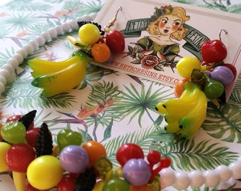 Carmen Miranda tropical set // Lucite earrings and necklace // Vintage reproduction