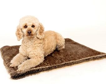 Fine dog blanket made of faux fur/dog blanket