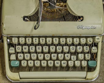 antique retro typewriter print