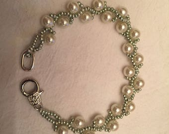 Pearl and Green Ivy Bracelet