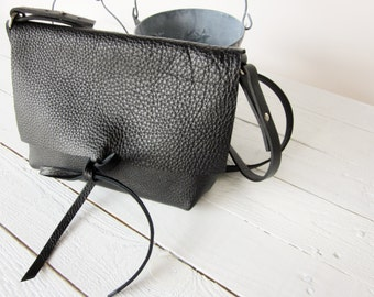 Damen schwarze Leder-Umhängetasche