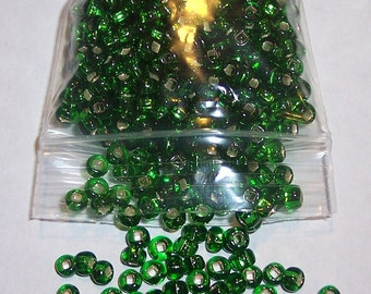 25 Grams Emerald Green Silver Lined Size 6 Seed Beads