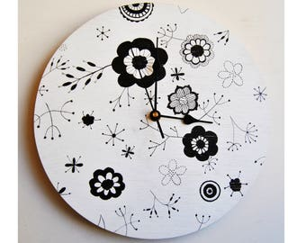 Wall Clock . Plywood. Silent. Hand painted.