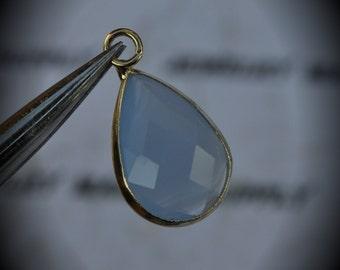 Gold Plated Bezel Brass Faceted Glass Tear Drop Pendant - Periwinkle Purple Blue