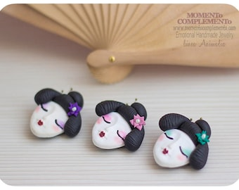 Brooches Geisha handmade with polymer clay, hand painted. Pin face of women japanese and makeup to Geisha style. Ornament for jacket & bag.