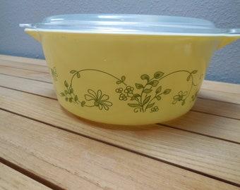 Vintage PYREX Shenandoah 475 2.5 QT Casserole dish with lid