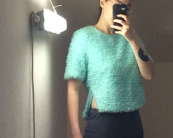 Short Sleeve Green sweater with water soft