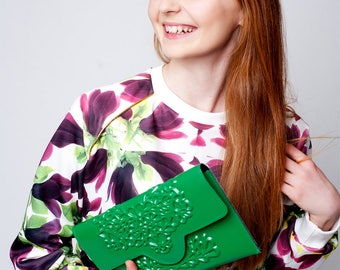 Clutch purse / green clutch bag / clutch purse green / eco green clutch / 100% vegan clutch / lucky green clutch / fits phone & essentials