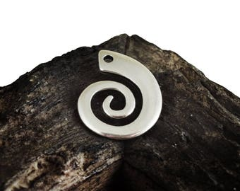 Circle of life Pendant, 26x33mm Spiral Pendant Charm, Swirl Ethnic Tribal Pendant, Antique Silver finish, Metal Casting,Medallion Pendant