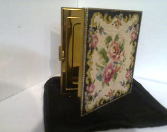 Lovely needlepoint tapestry powder compact 1950's.