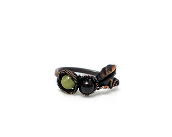 Leaf ring, leaf ring with gemstone beads, copper ring with peridot and garnet, peridot ring, garnet ring, copper ring, rustic ring
