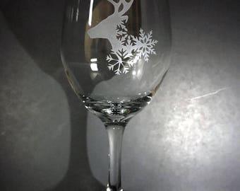 Hand Etched Reindeer 14oz Stemmed Wine Glass