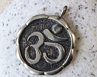 Silver Pendant -  Silver OHM Pendant - OM Pendant - Beads For Jewelry Making - Jewelry supplies - Made In Thailand - 26mm