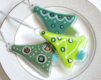 Set of 3 Fused Glass Ornaments Christmas Tree SET OF 3 Green Christmas Ornament Fused Glass Party Favor