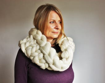 Chunky Cowl, Giant Knit Cowl, Cream Scarf, Chunky Knit Infinity Scarf, Knit Cowl, Oversized Cowl, Bulky Cowl, Cowl Scarf, Statement Scarf
