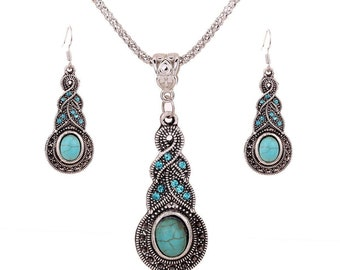 Turquoise pendant necklace with matching earrings