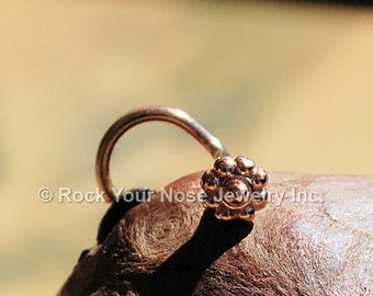 Tiny Daisy Flower Nose Stud / Dainty Nose Stud / Dainty Flower Nose Ring in Gold - 14 Karat Solid - CUSTOMIZE