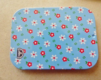 Blue knitting accessories box