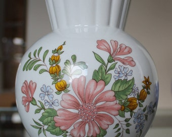 Lovely vase by Zsolnay Pecs, Hungary
