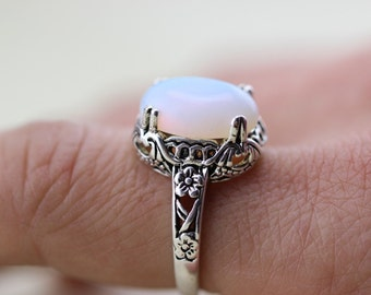 Gorgeous Vintage Moonstone Ring Christmas Gifts C270R-1_S