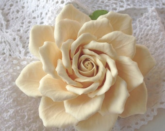 Big beige rose for the bride hairstyle Aligator clip