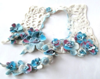 Felted necklace Blue white flower necklace women wool collar Unique jewelry Women fiber necklace felt  lariat gift for her Galafilc