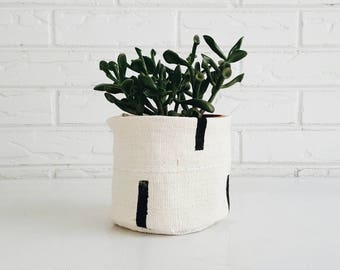 White and Black Tribal Mudcloth Plant Cover - Fabric Boho Planter - Bohemian Decor