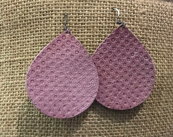 Dusty rose embossed tear drop earrings