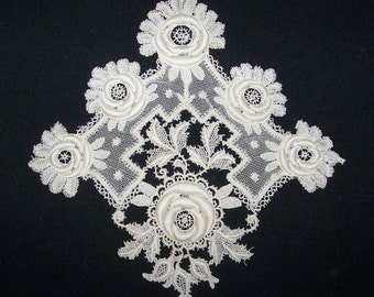 Stunning Antique Guipure  3D Applique Roses And Leaves White