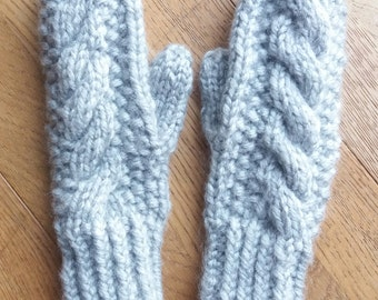 Childrens/Small Ladies' Chunky Grey Cable Seed Stitch Mitts