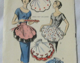 20% Off Sale 1958 Advance 8462 Vintage Party Apron Sewing Pattern
