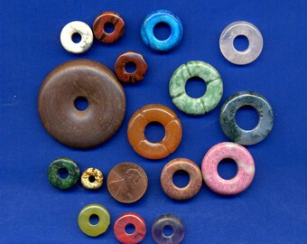16 Assorted 10mm-40mm gemstone donut beads Pack 8871