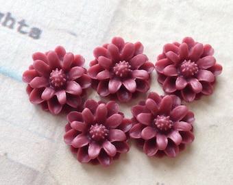 12 mm Umber Red Little Daisy Chrysanthemum Resin Flower Cabochons  (.tu)