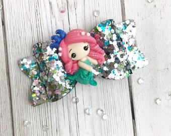 Mermaid Themed Bow, Mermaid Hair Bow, Girls Glitter Bow, Hair Accessories, Glitter Bow, Girls Head Band, Ideas For Girls, Girls Hair Bobble