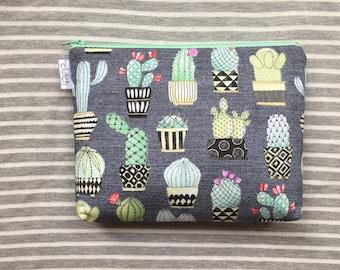 Cactus Zipper Pouch // Multipurpose Bag // Small Makeup Pouch // Travel Accessories