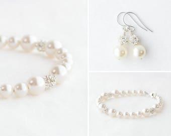 pearl bridesmaid bracelet set, pearl bridesmaid earrings Set, bridesmaid pearl earrings and bracelet set, pearl bracelet and earring set